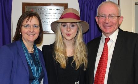 Diana Vickers 5 march 2013 opening ceremony 020